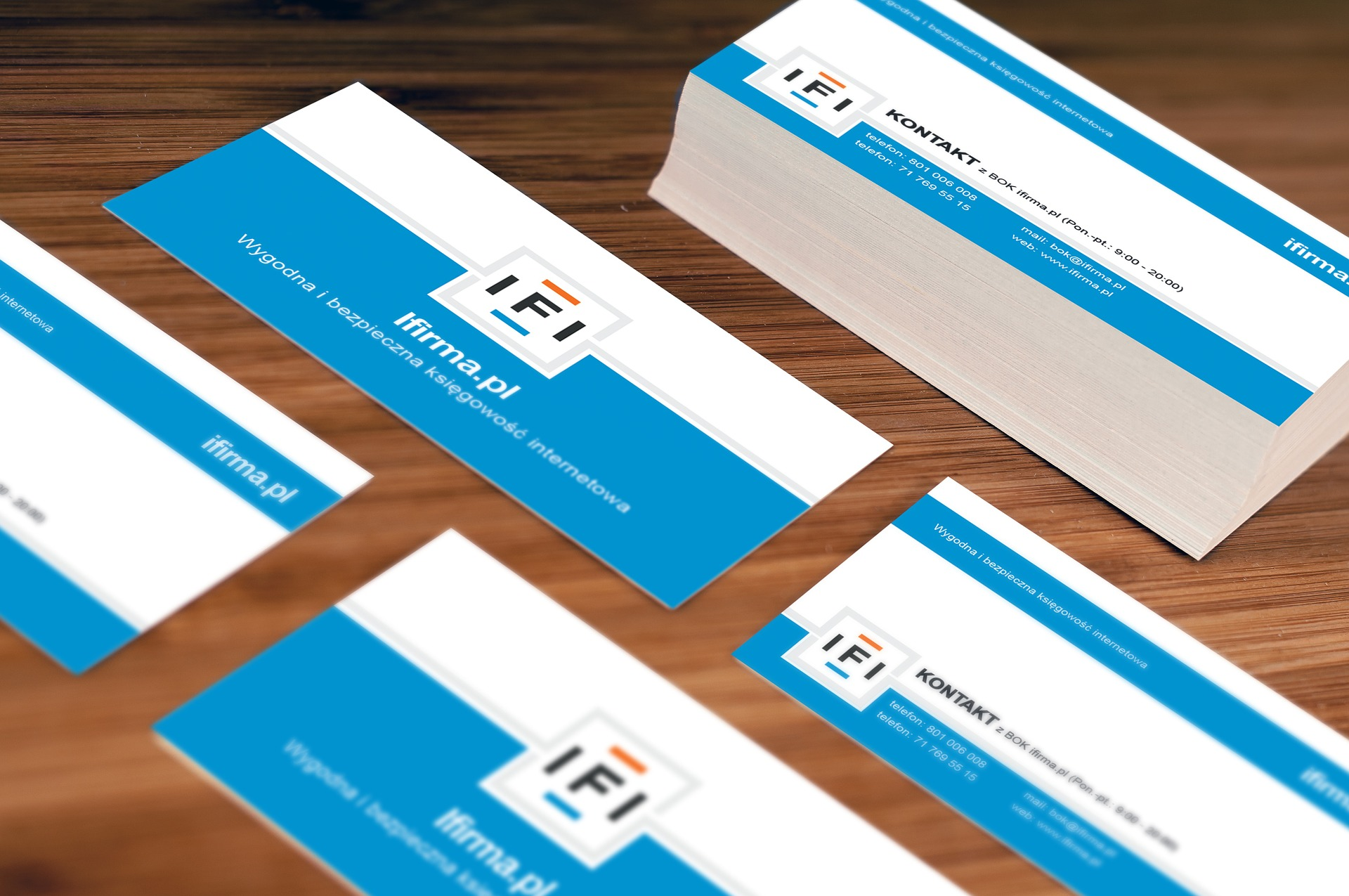 What your business card says about you and your brand colourmoves